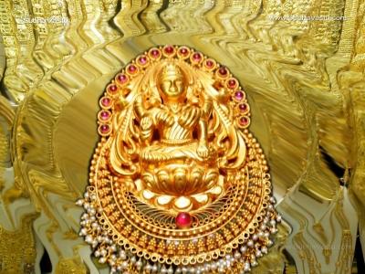 1024X768-Lakshmi Wallpapers_670